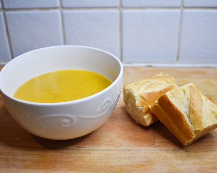 soup and bread rolls